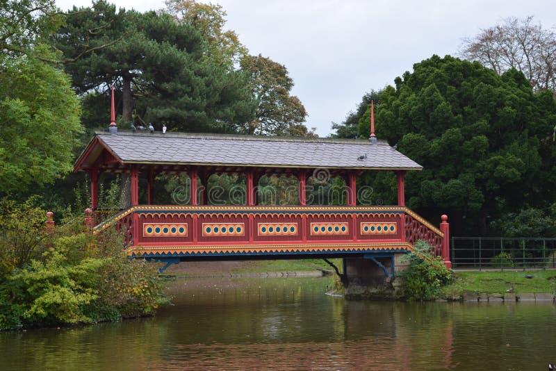 Het park buitensporige houten brug van Birkenhead royalty-vrije stock foto's