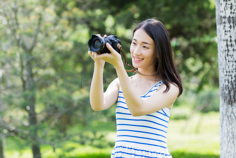 Het park mooie meisje royalty-vrije stock foto