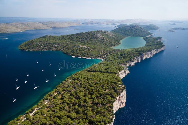 Het park van de Telascicaaard en Slano-meer in Kroatië stock fotografie