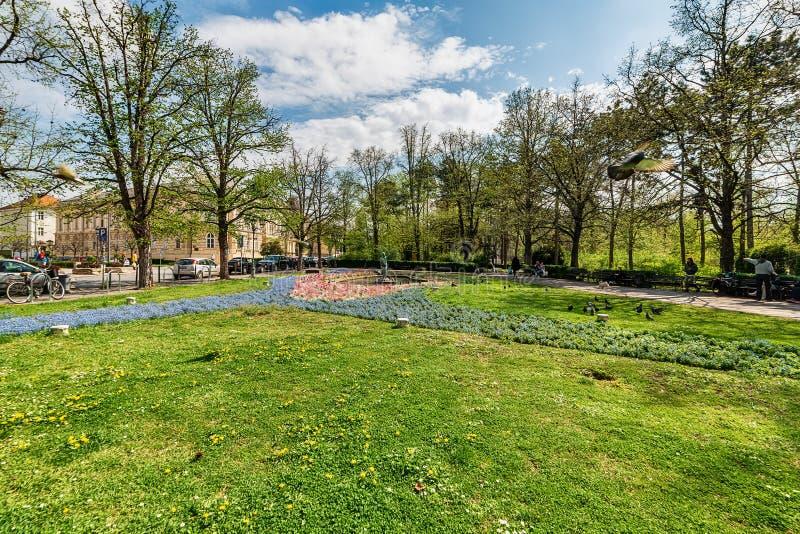 Het Park van Donau in Novi Sad met beeldhouwwerk, de Nimf royalty-vrije stock afbeelding