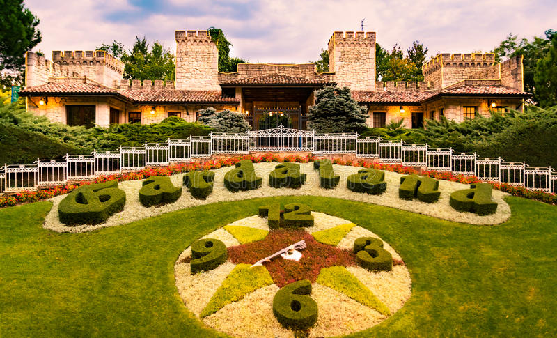 Het Park van het Gardalandthema in Castelnuovo Del Garda, Italië stock foto's