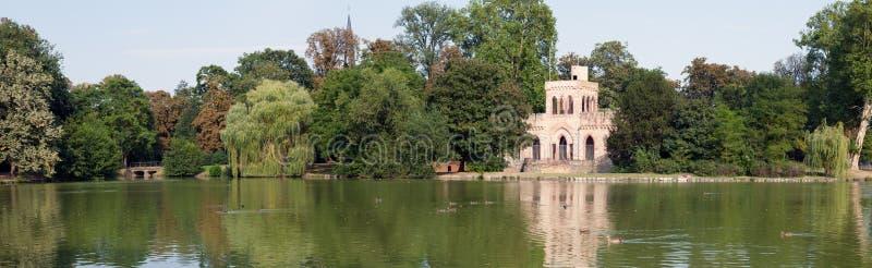 Het Park van het Paleis van Biebrich stock afbeeldingen