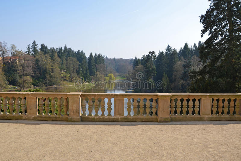 Het park van het Pruhonicekasteel, Tsjechische republiek royalty-vrije stock foto