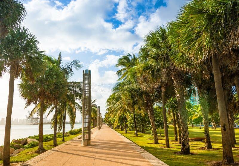 Het Park van zuidenpointe in het Strand van Miami stock fotografie