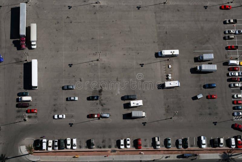 Het parkeren van de auto stock afbeelding