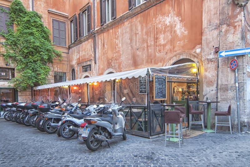Het parkeren van de motorfiets in Rome royalty-vrije stock fotografie