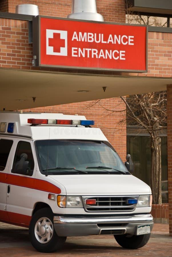 Het Parkeren van de ziekenwagen stock foto's