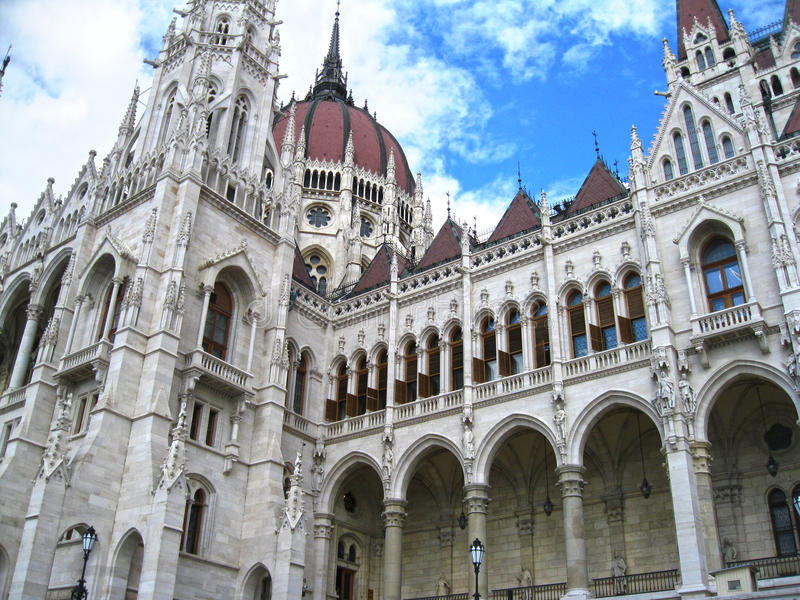 Het Parlement dat Boedapest bouwt royalty-vrije stock afbeeldingen