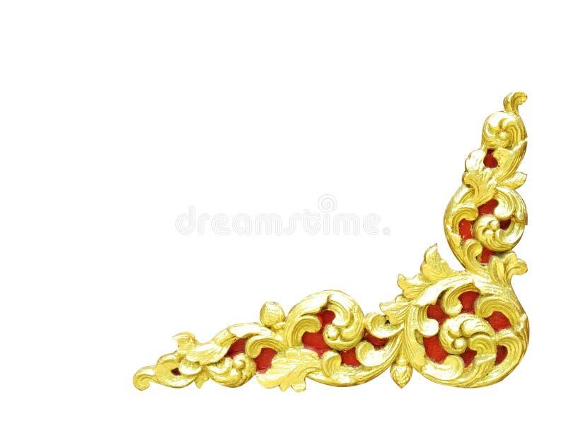 Het patroon van gouden houten die kader sneed bloem op witte backg wordt geïsoleerd royalty-vrije stock foto