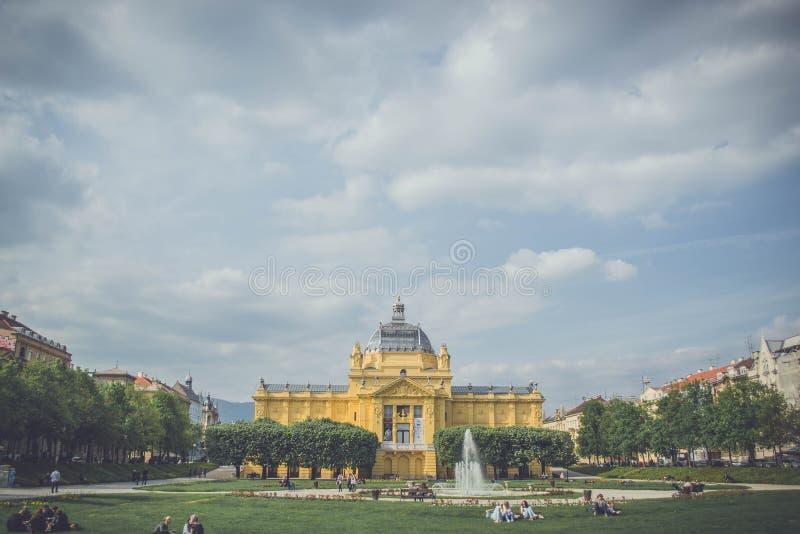 Het Paviljoen van de kunst in Zagreb, Kroatië stock foto