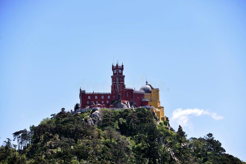 Het Pena-Paleis in Sintra stock afbeeldingen