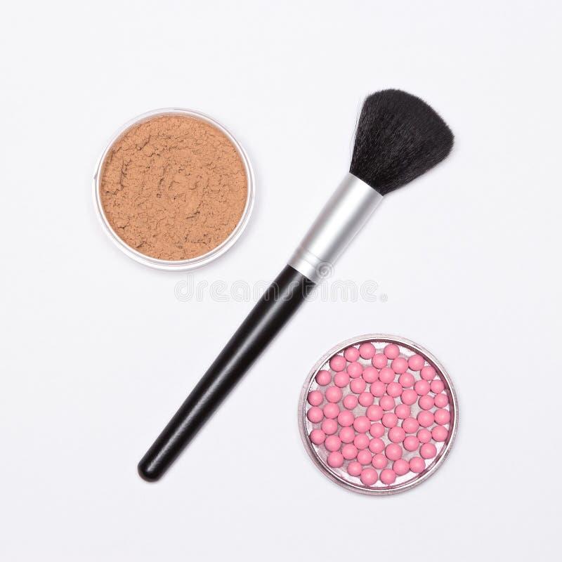 Het percententeken van borstel met poeder en bloost - make-upverkoop concep royalty-vrije stock foto