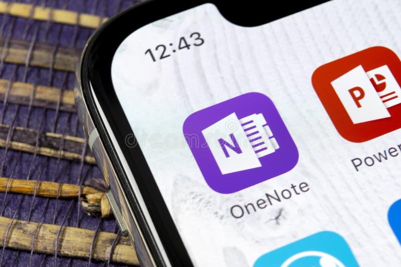 Het pictogram van de het bureautoepassing van Microsoft OneNote op Apple-iPhone X het schermclose-up Microsoft Één Notaapp pictog royalty-vrije stock afbeeldingen
