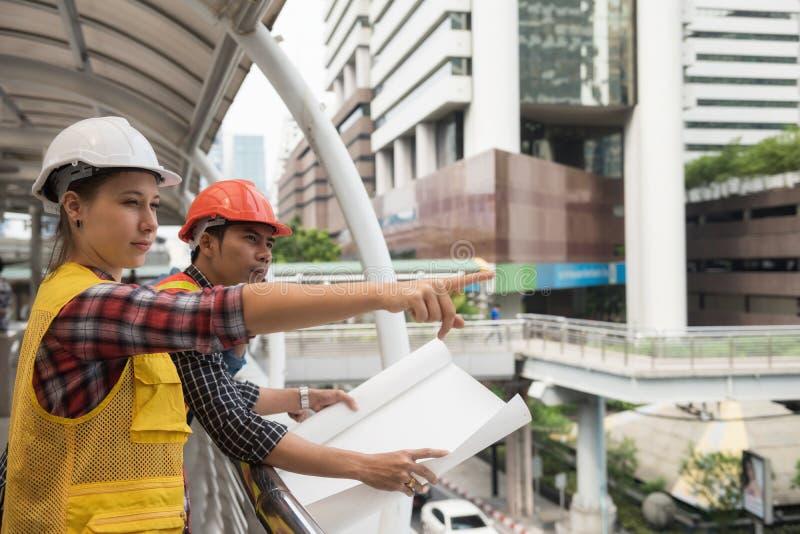 het plan van het meningsproject voor bouwwerf stock afbeelding
