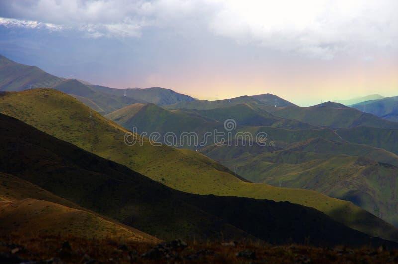Het Plateau en de Regenboog van Tibet stock foto