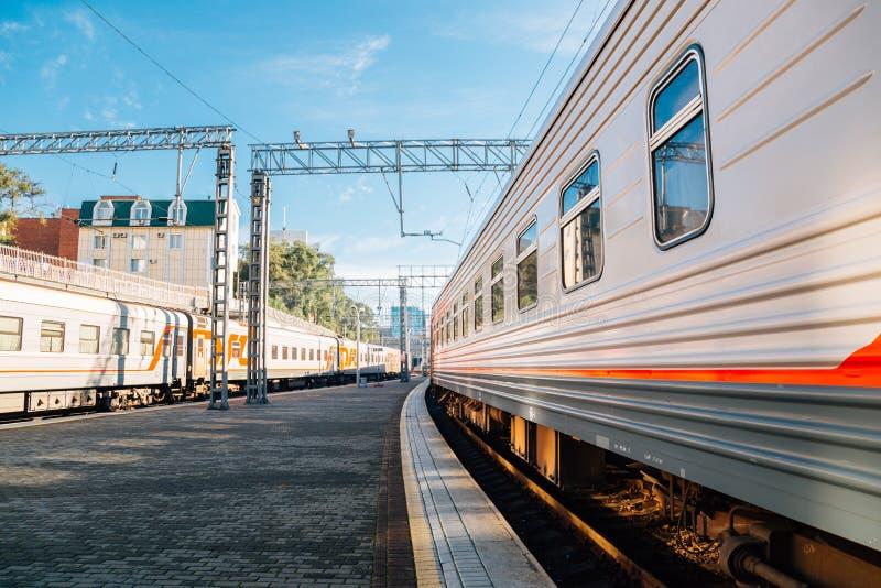 Het platform van het Vladivostokstation in Vladivostok, Rusland royalty-vrije stock afbeelding