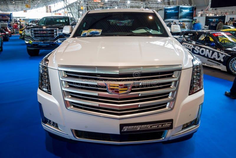Het Platina van SUV Cadillac Escalade van de ware grootteluxe, 2017 royalty-vrije stock afbeelding