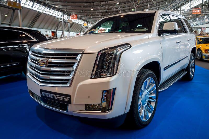 Het Platina van SUV Cadillac Escalade van de ware grootteluxe, 2017 stock afbeelding