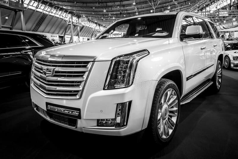 Het Platina van SUV Cadillac Escalade van de ware grootteluxe, 2017 royalty-vrije stock foto