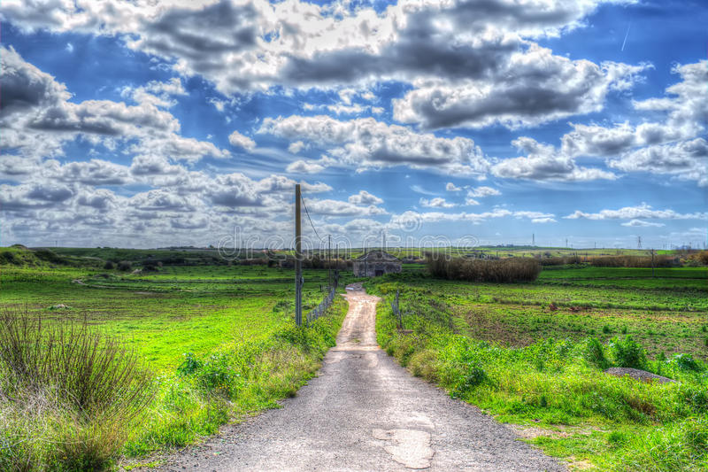 Download Het Platteland Van Sardinige Op Een Bewolkte Dag Stock Foto - Afbeelding bestaande uit landschap, toneel: 54083018