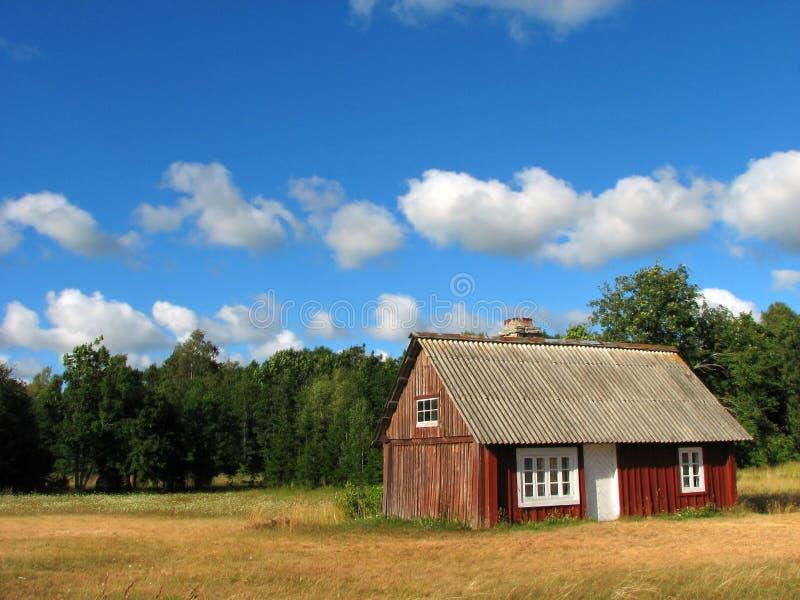 Het plattelandshuisje van de zomer royalty-vrije stock fotografie