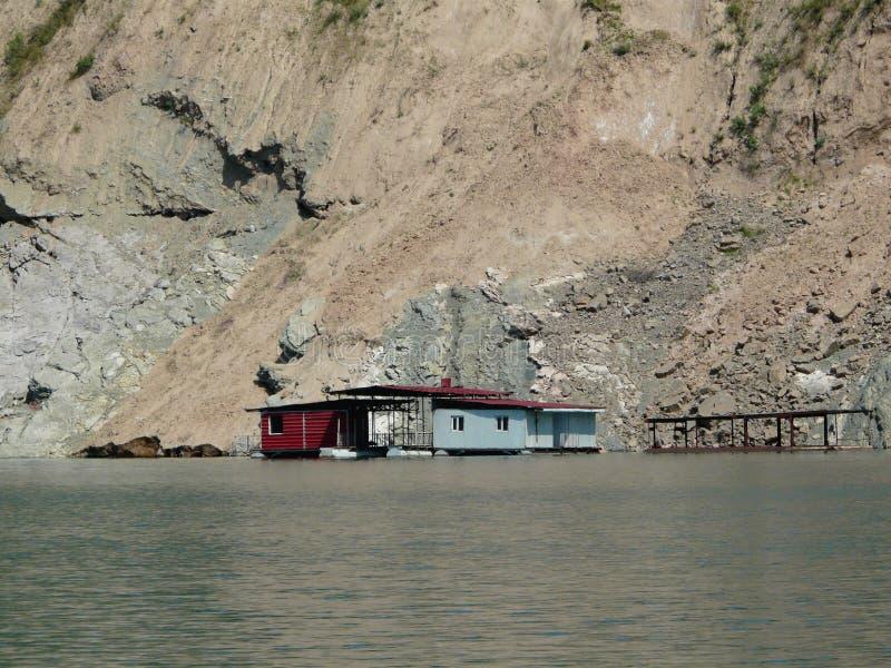 Het ponton op het water royalty-vrije stock foto