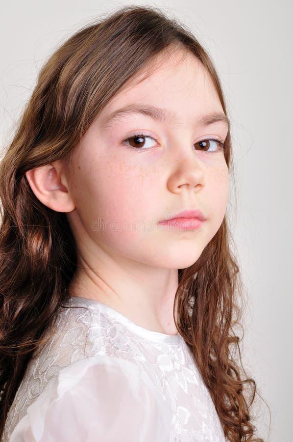 Het portret od van de studio een mooi meisje royalty-vrije stock afbeeldingen