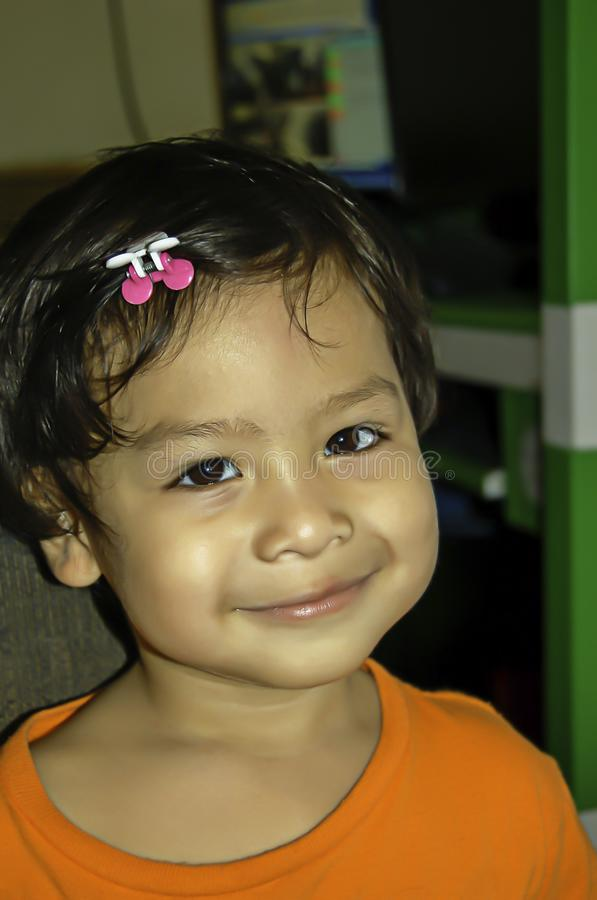 Het portret van Aziatische jongens glimlacht gelukkig royalty-vrije stock foto