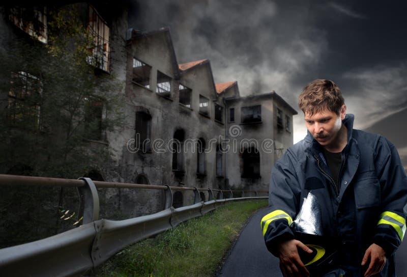 Het portret van de brandweerman stock afbeeldingen