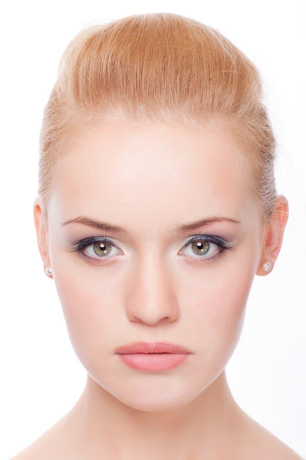 Het portret van de close-up van jonge vrouw stock foto