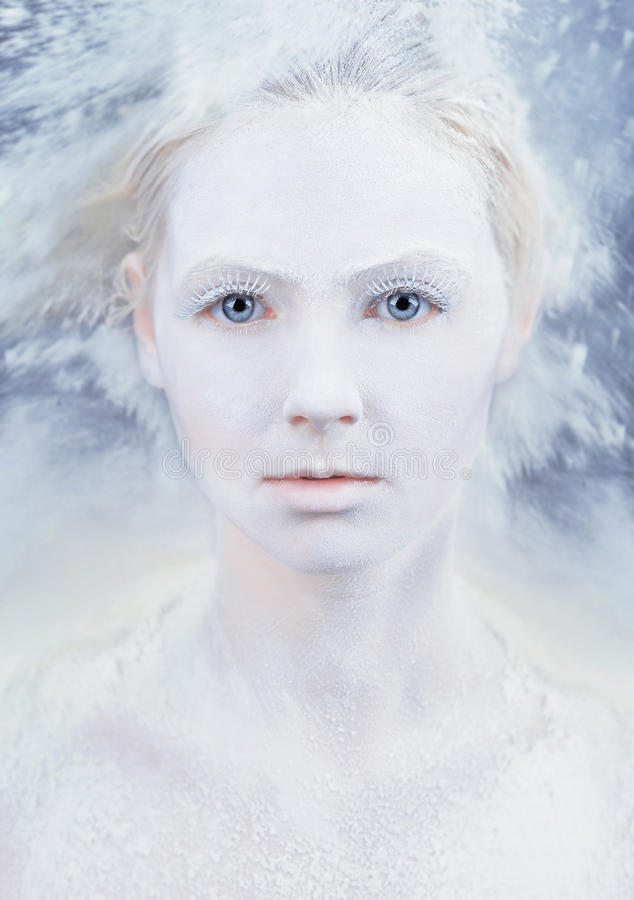Het portret van de meisjeswinter royalty-vrije stock foto