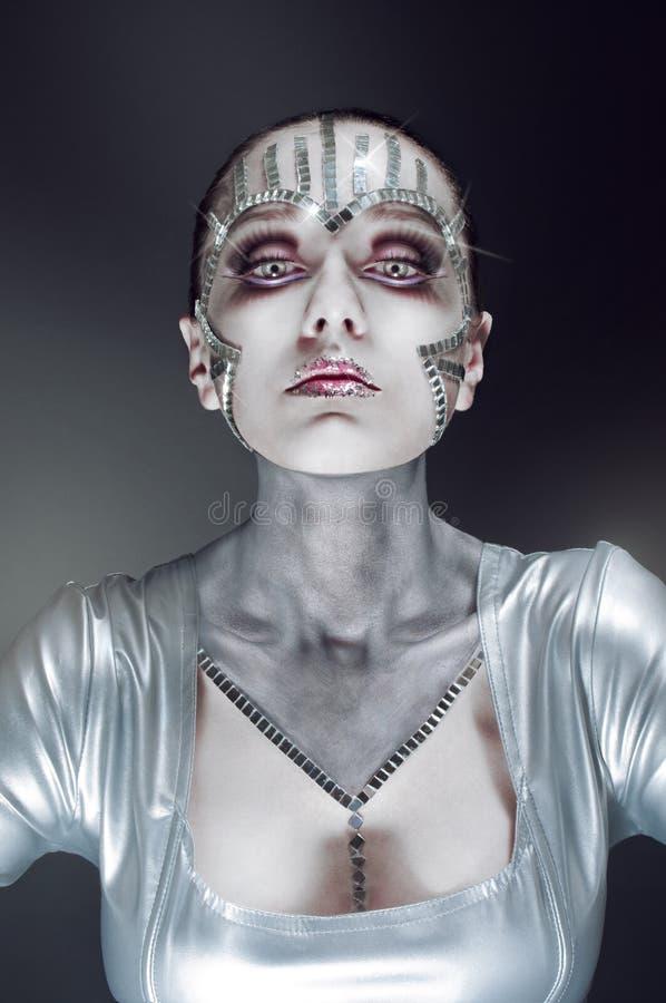 Het portret van de schoonheid met spiegel verbrijzelt stock fotografie