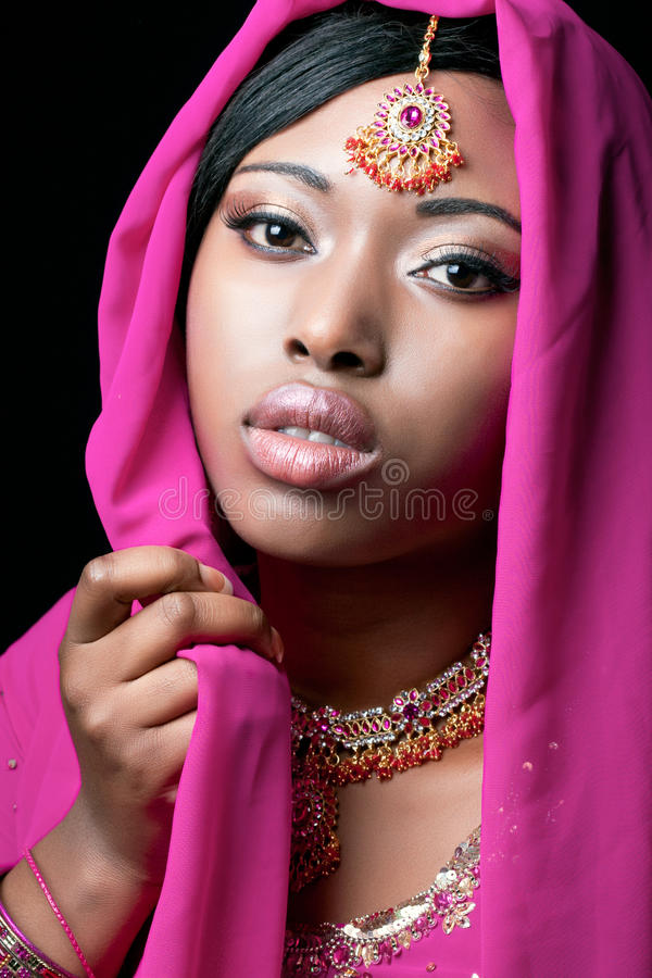 Het portret van de schoonheid van een jonge Aziatische vrouw stock afbeelding