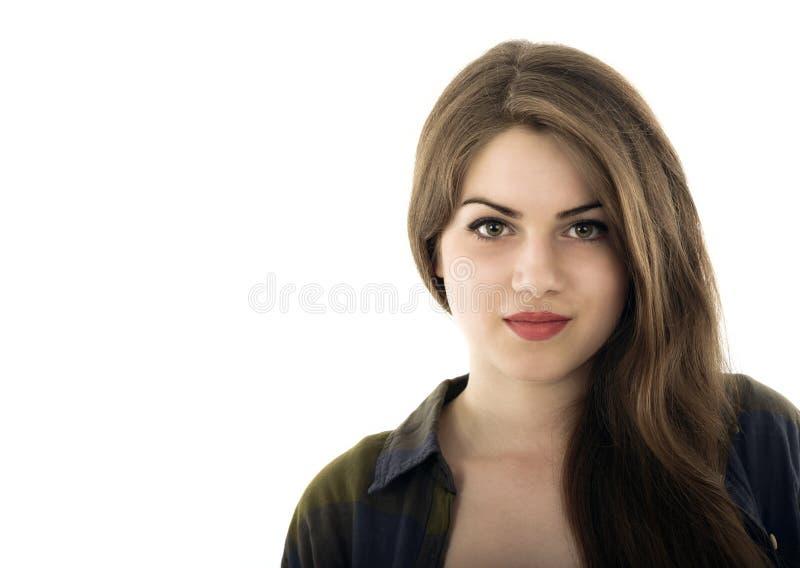 Het portret van de schoonheidsvrouw van tienermeisje het mooie vrolijke genieten van w royalty-vrije stock fotografie
