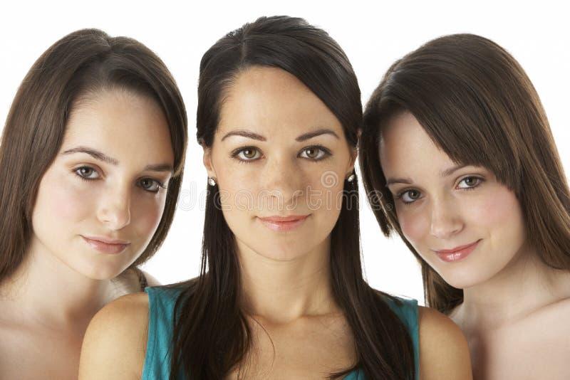 Het Portret van de studio van Drie Jonge Vrouwen royalty-vrije stock afbeeldingen