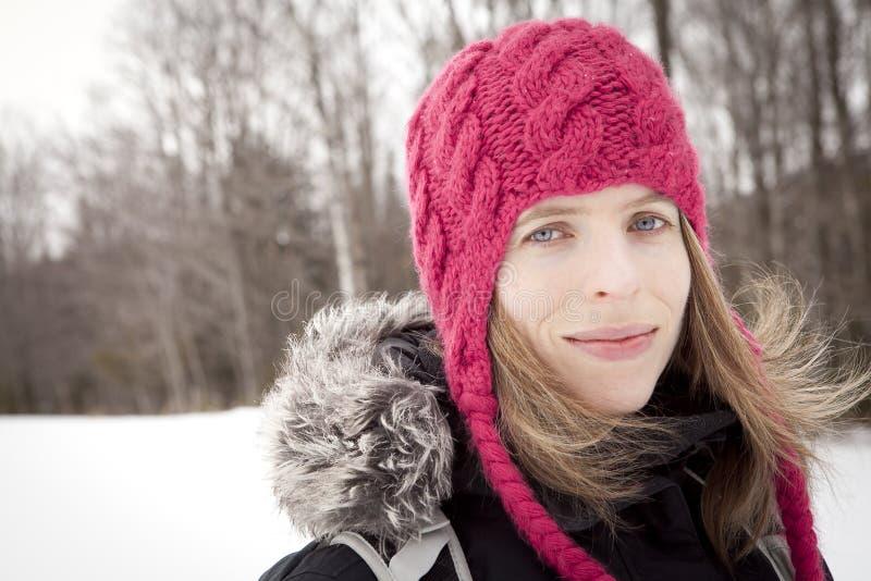 Het portret van de vrouwenwinter stock fotografie