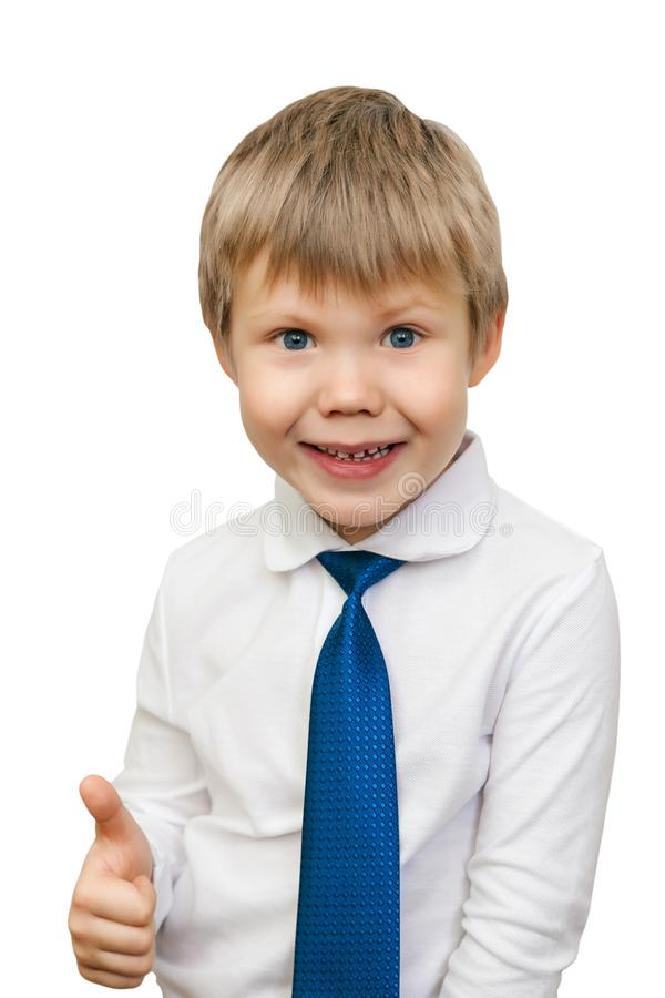 Het portret van het gelukkige die jongen tonen beduimelt gebaar, over w omhoog wordt geïsoleerd stock afbeeldingen