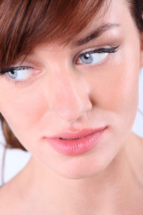 Het portret van het close-up van jonge Kaukasische vrouw royalty-vrije stock foto