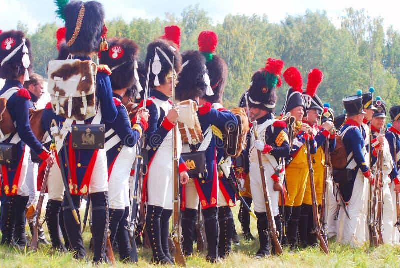 Het portret van reenactors kleedde zich als Napoleonic oorlogs Franse militairen stock fotografie