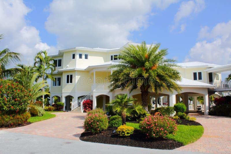 Het Prestigieuze Tropische Huis van de luxe royalty-vrije stock foto