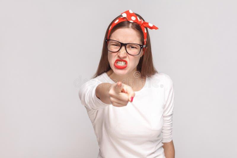 Het probleem beause u is woede die bazig portret van beautif richten stock foto