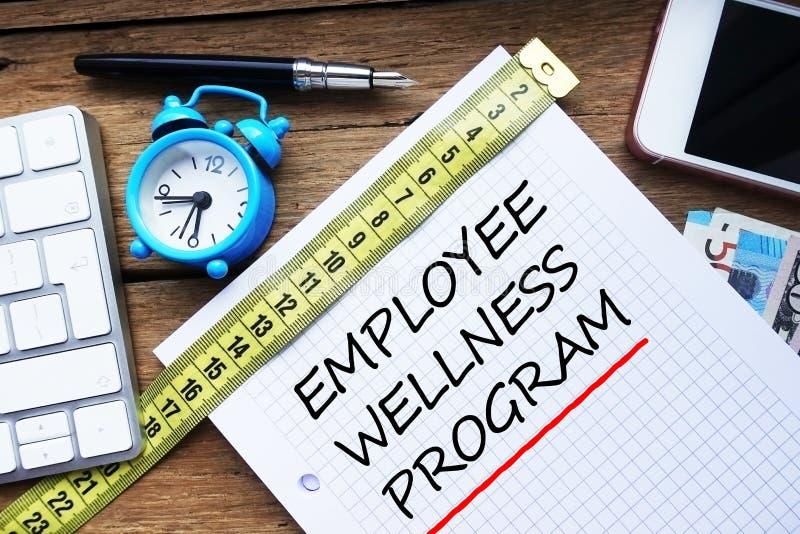 Het programma van werknemerswellness over persoonlijke agenda op het kantoor wordt geschreven dat royalty-vrije stock foto's
