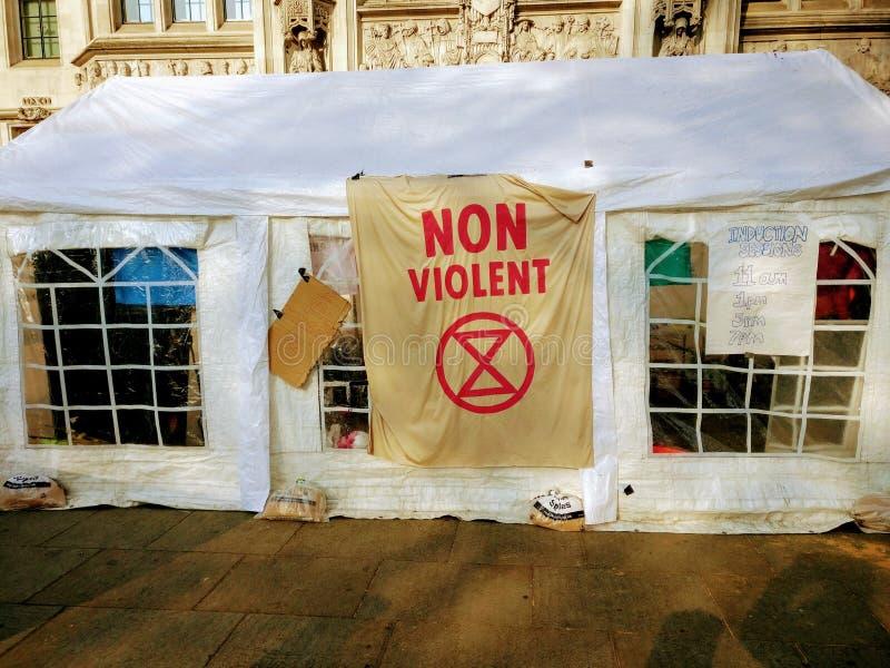 Het Protestdemonstraties Londen het UK van de uitstervenopstand stock foto's