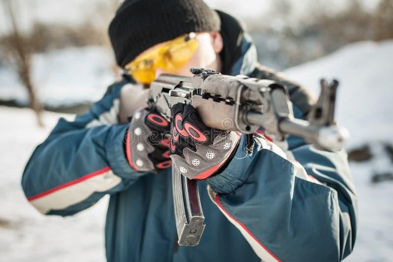 Het puntriffle van het vooraanzichtkanon machinegeweer Het schieten en wapens royalty-vrije stock fotografie