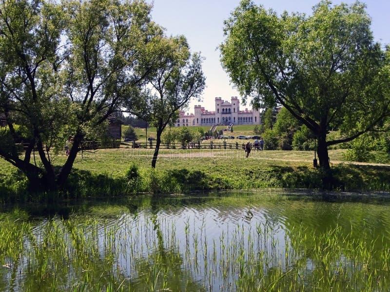 Het Puslovsky-Paleis in Kossovo Wit-Rusland royalty-vrije stock afbeelding