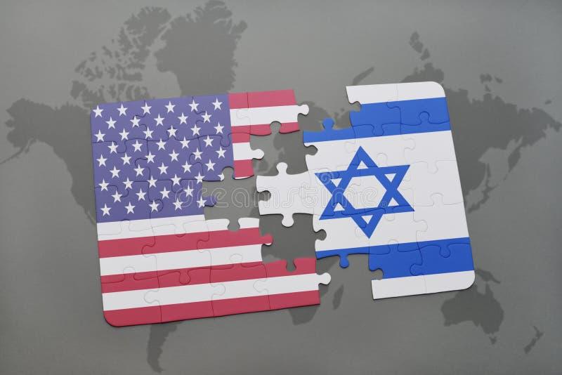 Het raadsel met de nationale vlag van de Verenigde Staten van Amerika en Israël op een wereld brengen achtergrond in kaart royalty-vrije illustratie