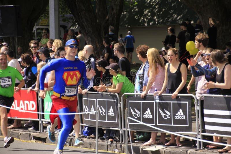 Het Ras Superhero van de Looppas van de marathon royalty-vrije stock afbeeldingen