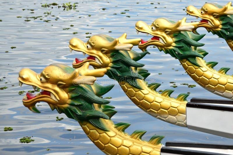 Het ras van de draakboot royalty-vrije stock fotografie