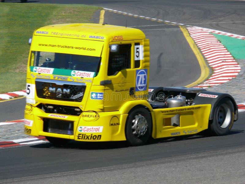 Het ras van de vrachtwagen stock foto