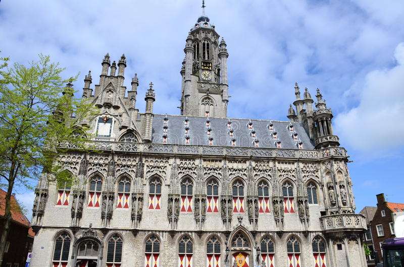 Het recent-gotische stadhuis van Middelburg, Nederland stock afbeelding